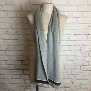 Tommy Hilfiger knitted gray scarf